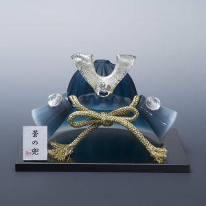 「ガラスの兜」は毎年完売になるほど人気!インテリアになる、おしゃれな五月人形