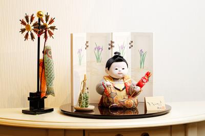 赤ちゃんのような顔がかわいい五月人形、ひととえの童飾り