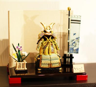 「木目込みの鎧飾り」 かわいい、小さい五月人形
